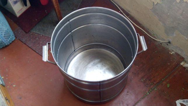 Продается кастрюля бак 40 л из нержавеющей стали для воды и т д