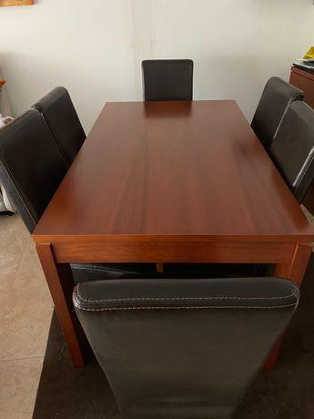 Mesa de sala com 6 cadeiras + aparador como novo
