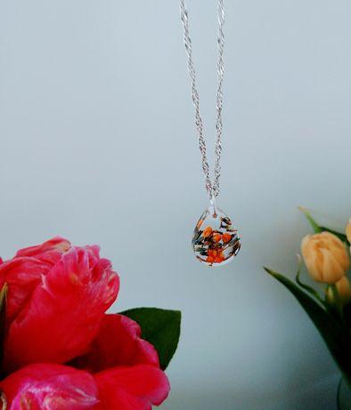 Unikalna zawieszka kwiaty zatopione hand made - idealna na prezent