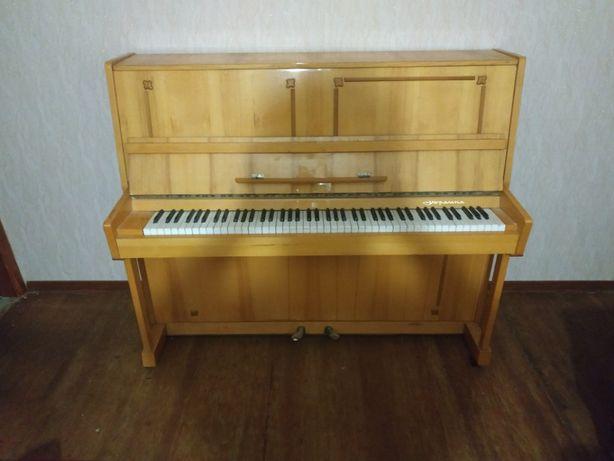 """Фортепиано пианино """"Украина"""" в отличном сост. Цена: 9500 руб."""