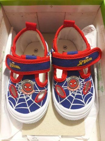Взуття дитяче. Обувь детская