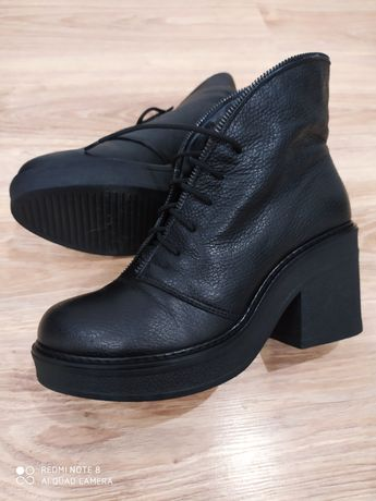 Шкіряні черевики чобітки зимові 39 р