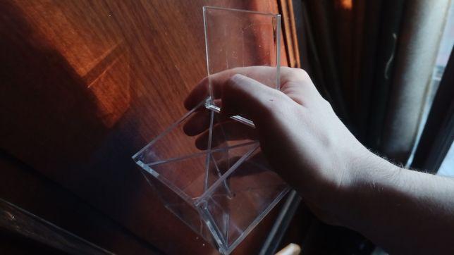Контейнер (для прилавка или чтото колекционировать внутри)