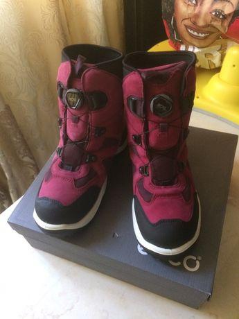 Ecco,зимові чоботи gor-tex,40р(38-39р),25,5см,оригінал, індонезія