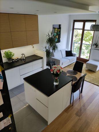 Mieszkanie 55 m2 / 3 pokoje / garaż / logia Mokotów Sprzedam
