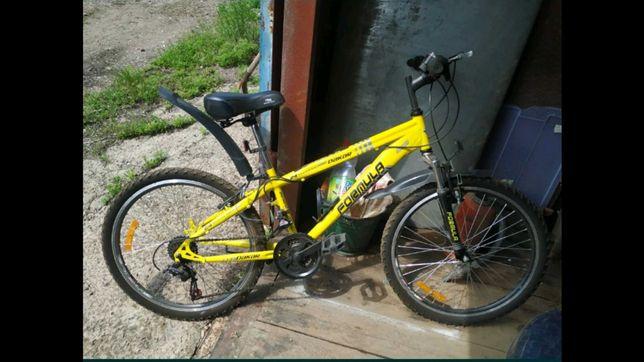 Продам велосипед, колеса 24 дюйма.