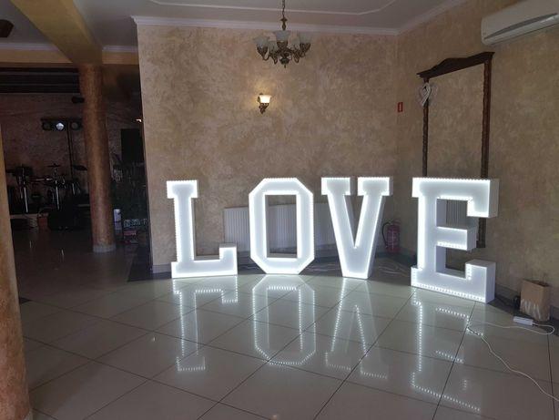 Napis LOVE do  wynajęcia na imprezy okolicznościowe