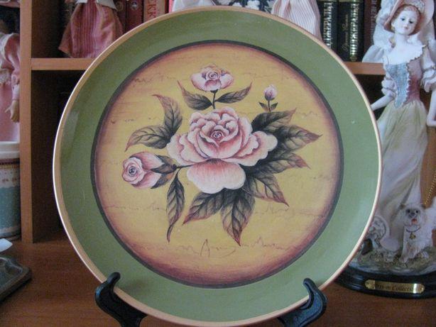 Декоративная тарелка с розами