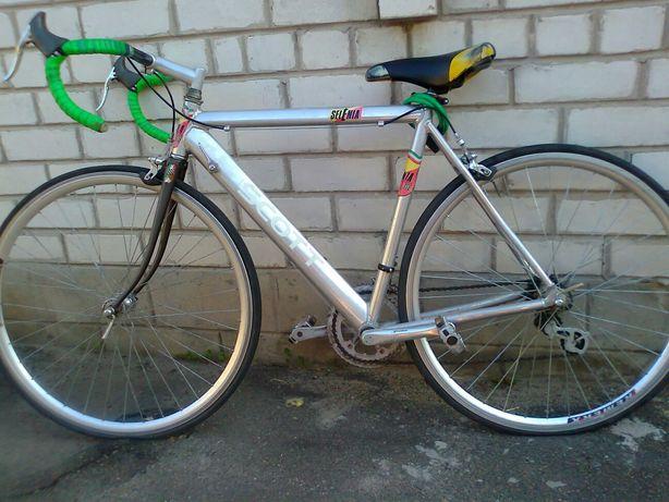 Велосипед фирмы SCOTT