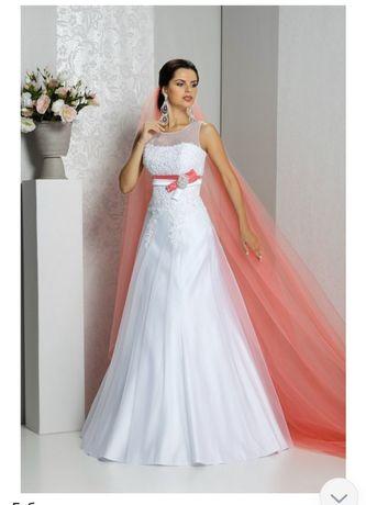 Свадебное платье с цветной фатой. ,,Lileya,,