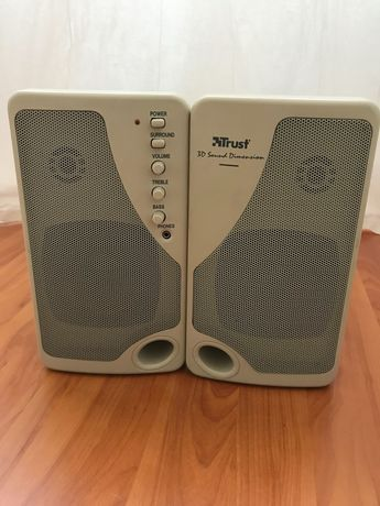 Colunas de som de computador
