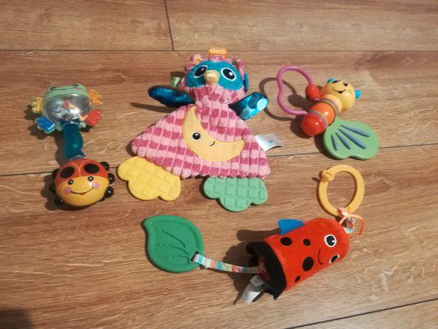 Zabawki grzechotki pacynki do wózka fisher-price