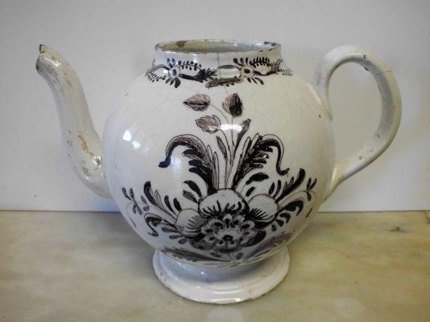 lindo antigo bule de chá em faiança portuguesa da VIANA