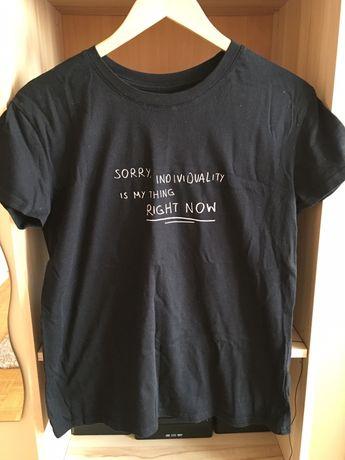 Czarna koszulka Bershka