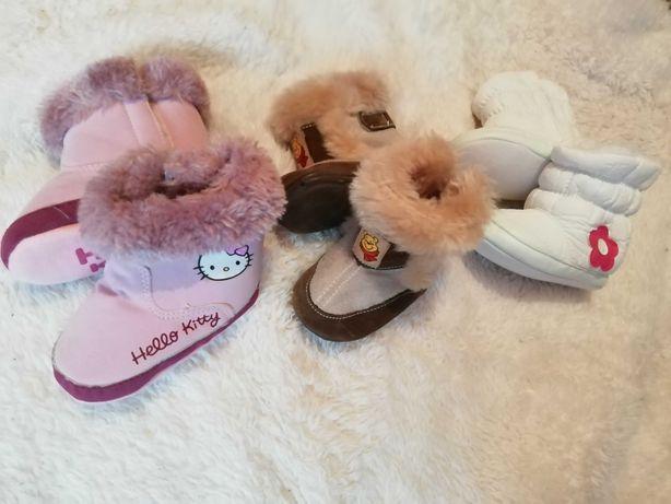 Зимові пінетки-сапожки для дівчинки до року.