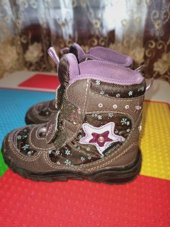 Ботинки на дівчинку
