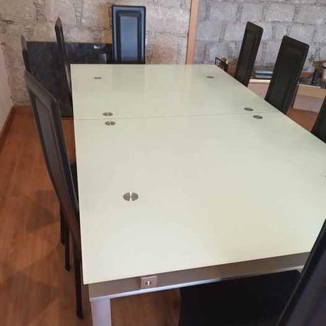 Mesa de jantar extensivel em vidro 8 cadeiras