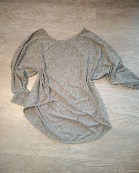 Sweterek z dłuższym tyłem