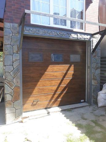 Секційні гаражні (гаражные) ворота