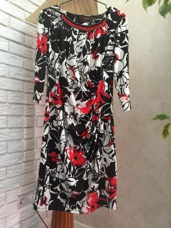 Шикарное нарядное платье с цветочным принтом SAVOIR