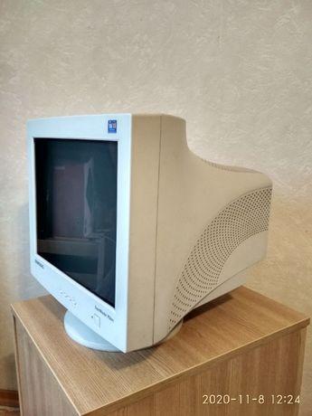 Монитор Samsung SyncMaster 753DFX