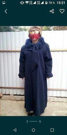 Новое кашемировое зимнее пальто с капюшоном рр48-50-52
