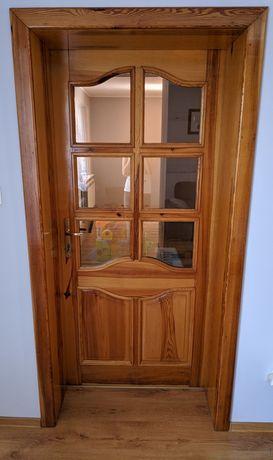 Drzwi sosnowe z demontażu