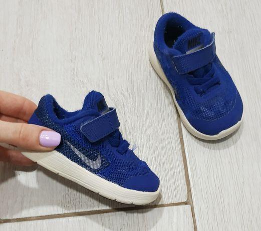 Кросівки. Кроссовки. Nike Revolution 3. Оригінал. 19,5р.