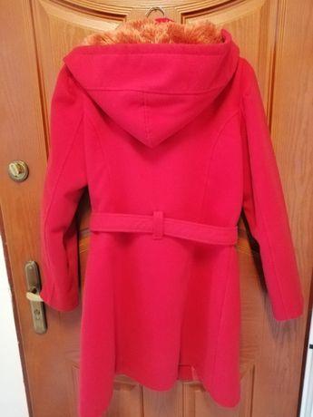 Płaszcz damski z kapturem