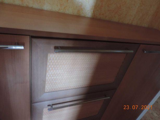 Продам Комод 140х35х111 в отличном состоянии. Цвет Ольха.