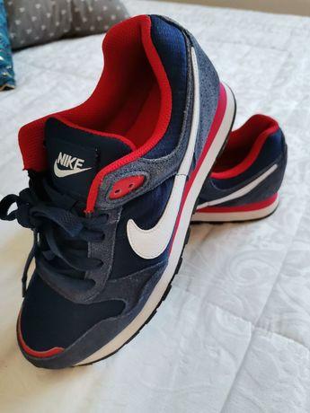 Ténis Nike tamanho 38