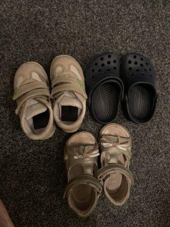 Crocs , босоножки и кроссовки