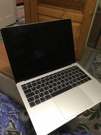 MacBook Air (2018 128gb 8ram)