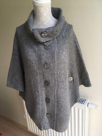 Ciepły sweter poncho
