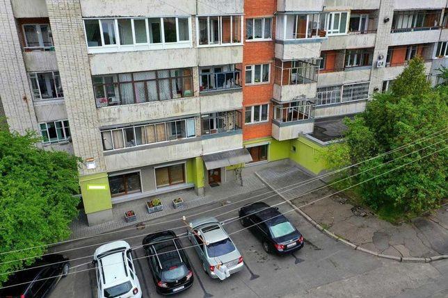Офісне Фасадне приміщення з ремонтом, вулиця Родини Крушельницьких