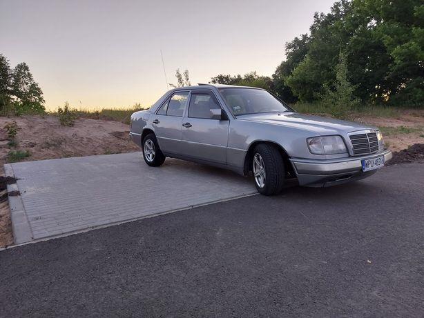 Sprzedam Mercedesa W 124 2.0 b+g 136km