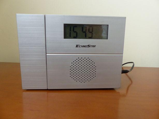 Rádio despertador com projeção da hora