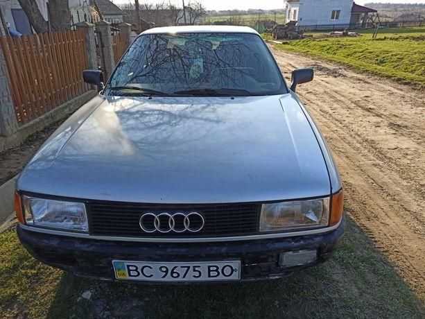 Автомобіль Audi 80 B3