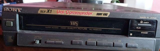 Odtwarzacz VHS uszkodzony