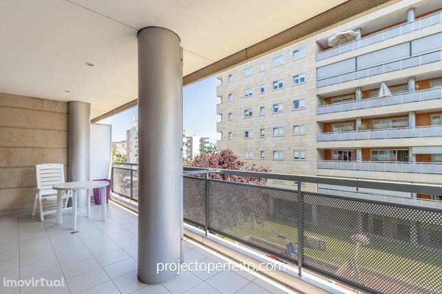 Apartamento T2 Venda em Nogueira, Fraião e Lamaçães,Braga