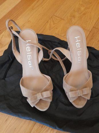 Sandálias da Hélder em camurça