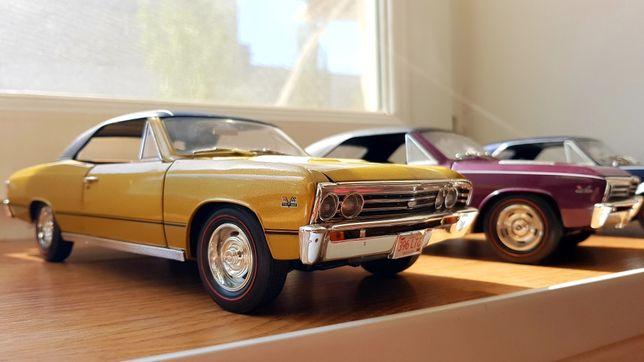 Модели 1/18 Chevrolet Chevelle SS (1967) ERTL, золотой и пурпурный