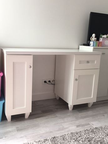 Piękne nowe biurko glamour białe . Możliwa wysyłka