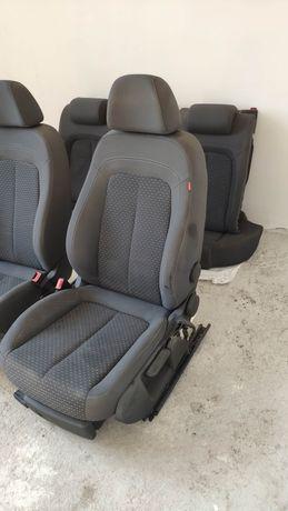 Fotele Seat Exeo (Audi A4, B6, B7)