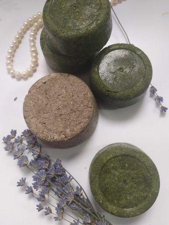Твердый шампунь из натуральных ингредиентов.