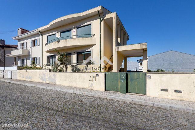 Andar Moradia T3 | Bom Estado | Boas Áreas | Box | Jardim