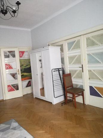 Miejsce w pokoju dwuosobowym Kraków Długa