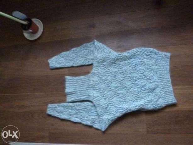 Piękny ciepły sweter, z Anglii,jak nowy; oryginalny, ciekawy wzór
