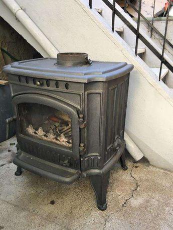 Estufa aquecimento lenha em ferro fundido