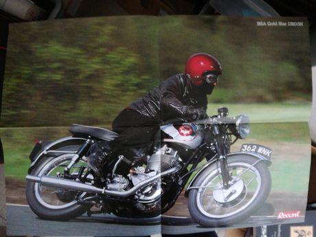 Coleção do Record com 30 poster de motos